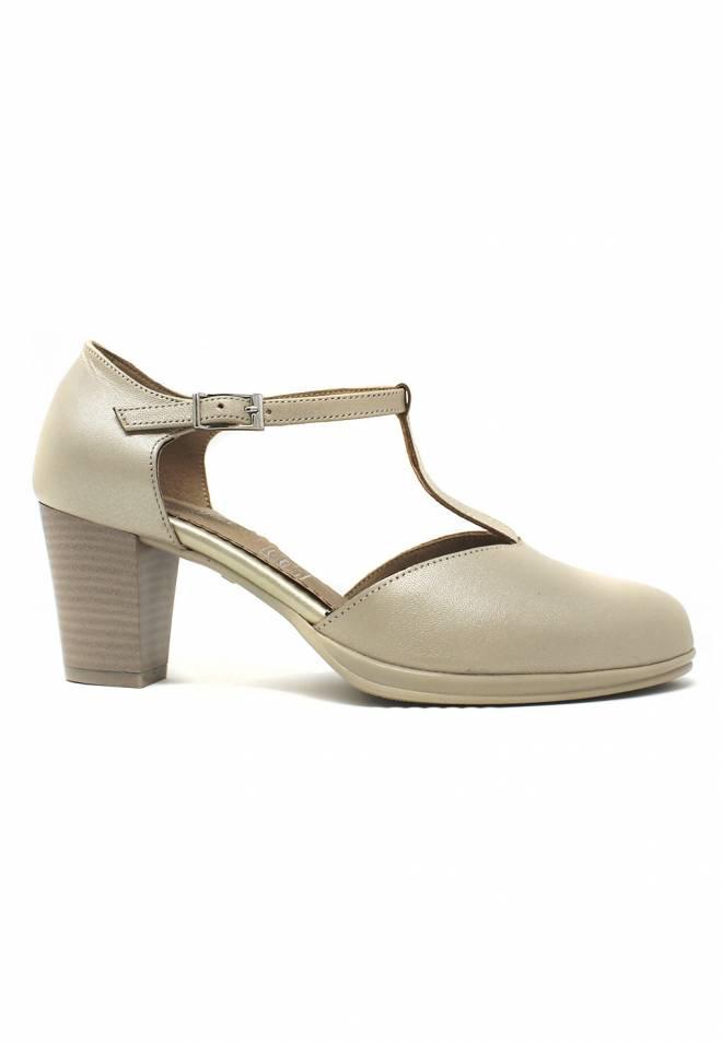 Zapato tacón ancho especial hebilla oro